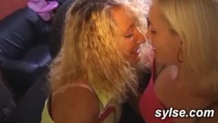 lesbienne orgie compilation Memphis Monroe porno