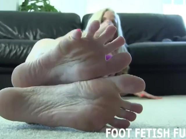 Japanese Foot Fetish Worship