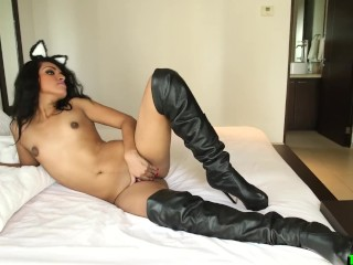 Alone shemale cute wanking her cock