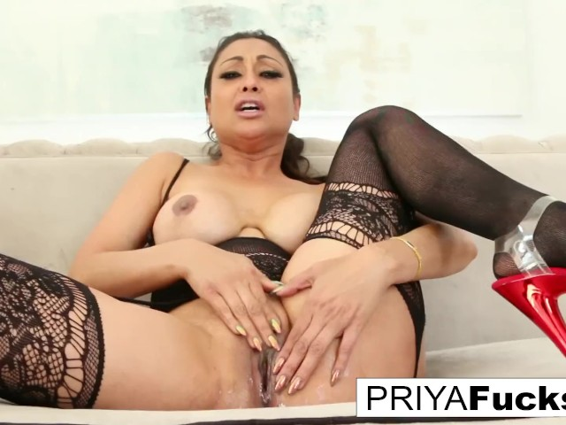 Busty Brunette Solo Squirt