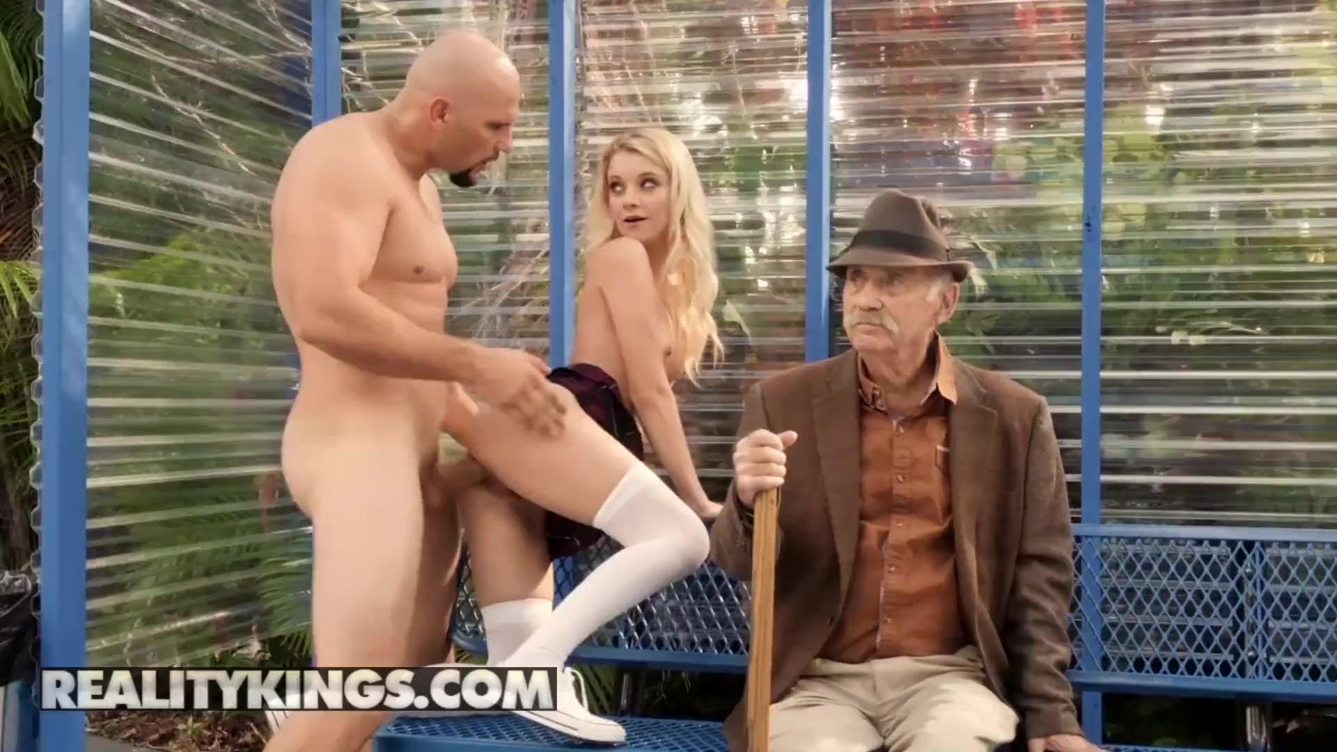 Free masturbation voyeur trailers