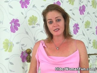 UK milf Jozie spreads her legs wide for a dildo fuck
