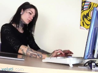 Sotto/secretary tattoed feet in with