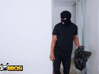 BANGBROS - Thief Ricky Johnson Breaks Into Keisha Grey's Big Ass