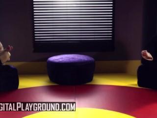 DigitalPlayground - Cosplay teen Kleio Valentie get painted up and fucked in Starwar's porn parody