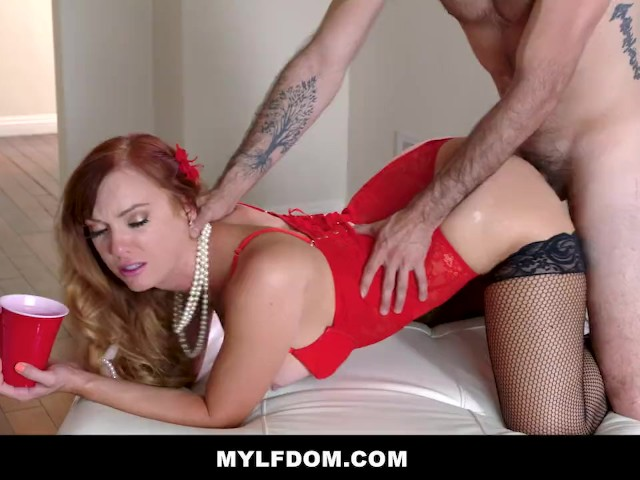 Blonde Red Head Threesome