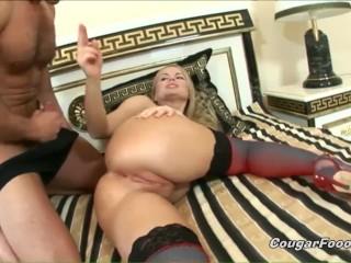 Horny mommie Dora Venter demanding for a rough anal pounding!