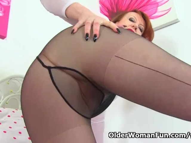 Uk Milf Red Gets Ready for Sexy Naughtiness