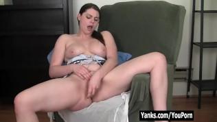 Yanks Leanne Masturbating