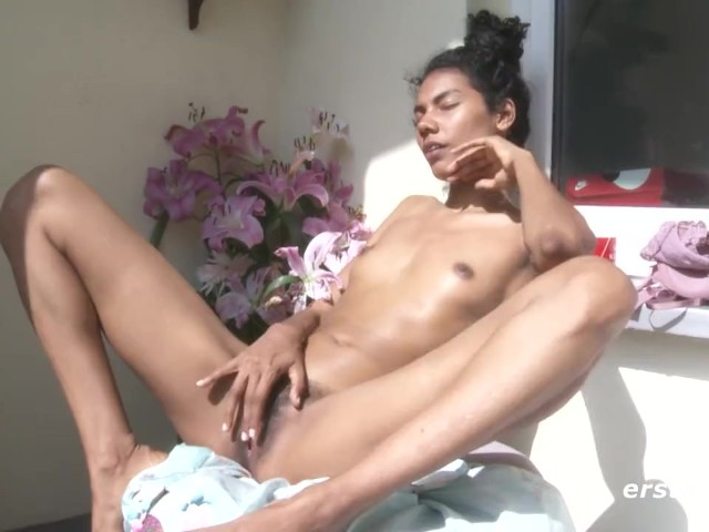 Dark Skinned Beauty Masturbates Outdoors
