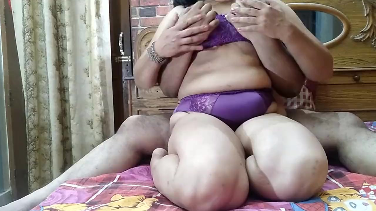 orgy pussy licking malenalesbians