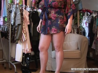 HUGE TITS LAURA IN THE DRESSING ROOM GET ORGASM