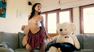 Italian beauty Valentina Bianco 3some sex scene with teddy bears