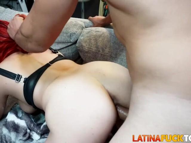 Latina Peli Roja Le Rompen El Culo