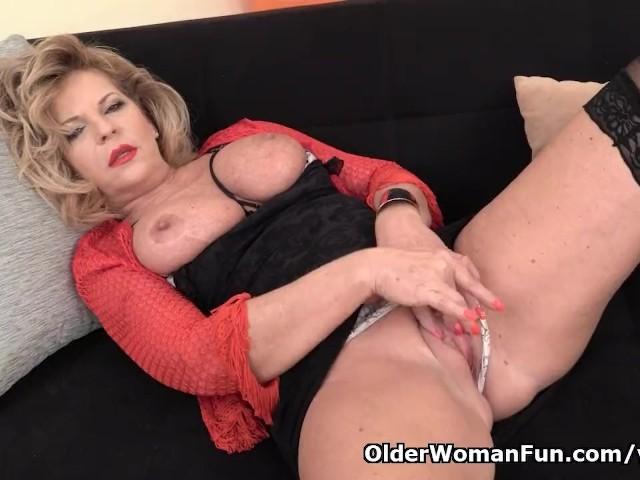 European Gilf Ellis Shine Fingers Her Old Pussy - Free Porn ...