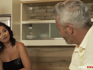YOUMIXPORN Interactive - Super slutty wife Vicky Love fucks her husband's best friend