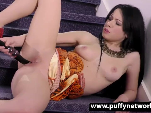 Incredible Girl Playing With Her Delicious Pussy