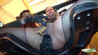 Sexo bizarro con Jenny Up Destroy