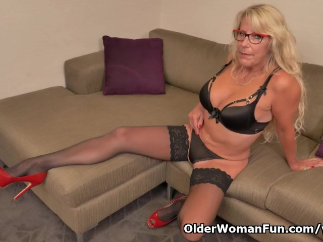 Blonde Milf Bianca From Canada Needs Getting Off - Free -7139
