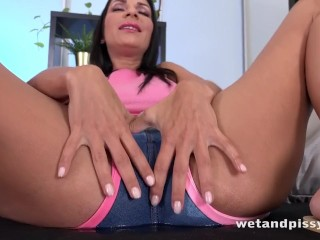 MILF Drinks Her Own Piss