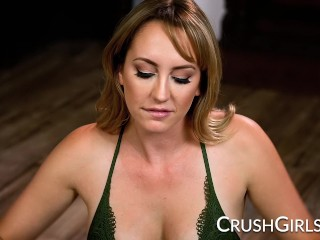 Blonde pornstar Brett Rossi wants every drop of his cum