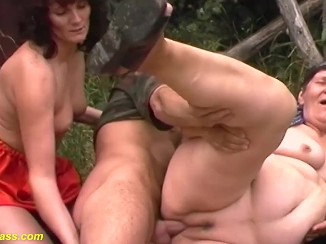 Free threesome they all get f in the ass 80 Years Old Mom First Outdoor Threesome Free Porn Videos Youporn