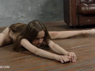 Abel Rugolmaskina cute nude splits