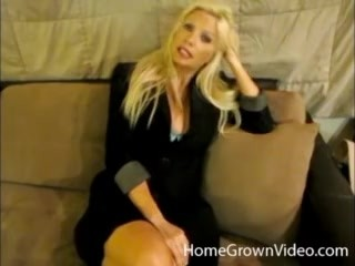 Busty blonde comes for a massage and gets fucked