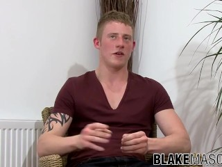 UK stud Liam Lawrence cums after stroking his cock solo