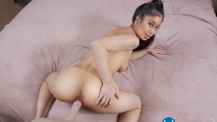 Big Titted Asian Teen Babe Jade Kush Is In A Need For Big Cock VR Porn