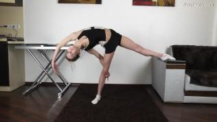 Agata Berezka flexible young babe