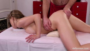 Gwyneth Petrova Super Hot Wet Massage