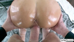 NYMPHO Charming Jade Reign gets a warm creampie
