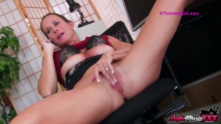 SofieMarieXXX – Boss Sofie Marie Jerks Off While On The Phone