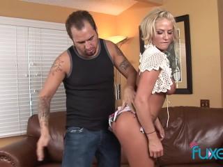 Brooke Belle puts finger in her ass