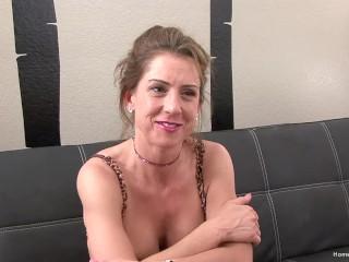 Gorgeous big tit MILF masturbates with her favorite toy