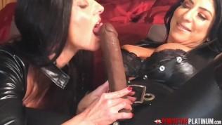 PORNSTARPLATINUM Lesbian In Leather Raven Hart Blows Strapon