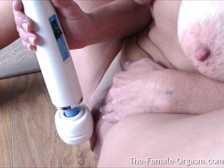 Suzy Hott Vibes Her Big Wet Pussy To A Clit Hopping Pulsing Orgasm Up Close