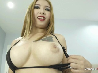 Big titty Thai girl Tanzy shows off her oral skills
