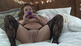 Hot blonde amateur BBW playing with her tight pussy