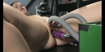 girl-cant-handle-sex-machine-australia-virgin-nude