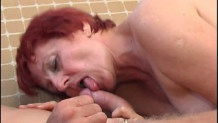 Attractive Mature Offers Her Hot Cunt To A Stud To Fuck