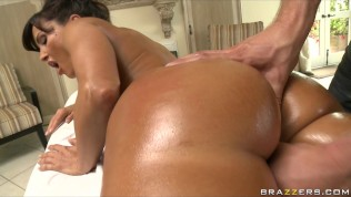 Busty Big-booty MILF Lisa Ann Is Fucked By Her Masseur's Big-dick – Camsex99-Massage