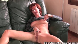 Mature playing with pussy video — img 8