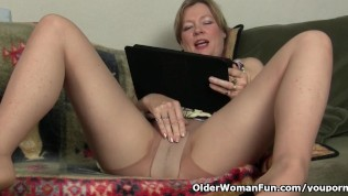 Mom's Pussy Gets So Wet In Pantyhose PornZek.Com
