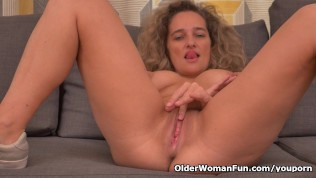 Busty Milf Ameli Gets Bored Watching Tv And Rubs Her Clit PornZek.Com