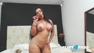 Big Titted Bombshell Sarah Harper Has A Big Beautiful Hard Body