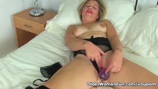 English Milf Filthy Emma Puts Her Dildo To Work PornZek.Com
