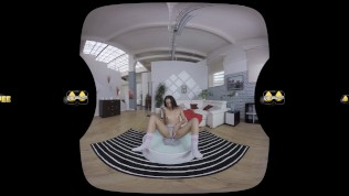 Amanda Estela Is Caught Peeing Her Pants In Virtual Reality PornZek.Com