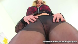 Free older milf in pantyhose movies